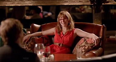 In Its Second, U201cMeet The Parents,u201d The Same Main Character Uses Her  Furniture To Make A Solid First Impression On Her Boyfriendu0027s Parents. At A  Restaurant.